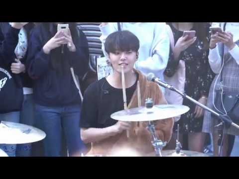181003 The Rose (더로즈) 홍대 버스킹 Hongdae Busking - 쏘리 Sorry ( 하준 HaJoon Focus )