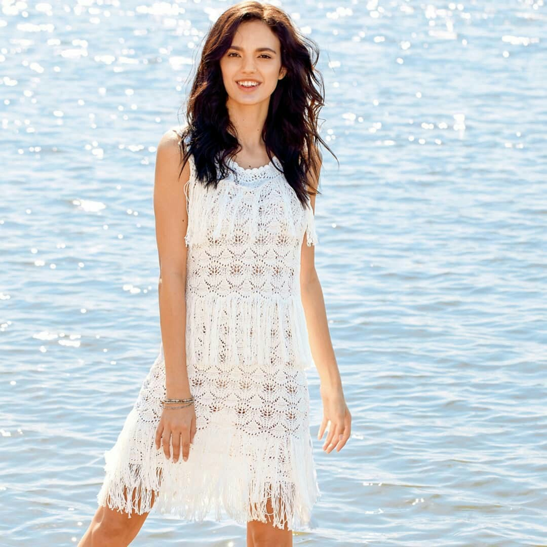 Белое ажурное платье с бахромой. Готовимся к лету