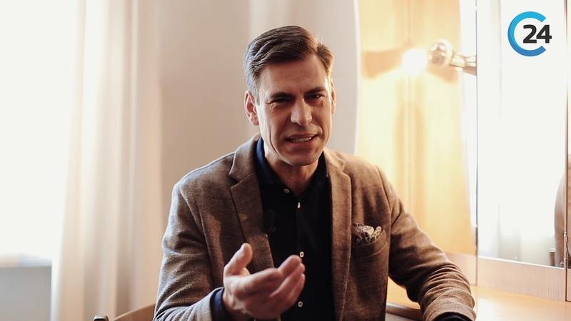 93) Дмитрий Дюжев читает стихотворение Не бойтесь гневных... В.Д. Федорова