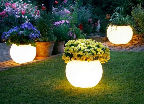 Светильники-горшки для уличных цветов