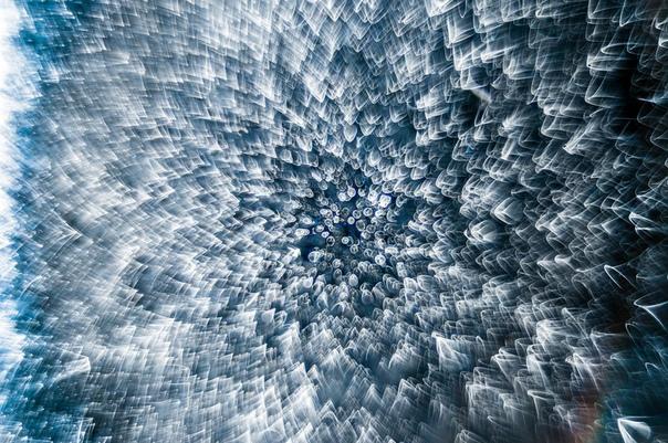 Замерзшая капля воды под микроскопом, 8x