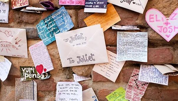 Как написать письмо шекспировской Джульетте и получить ответ Разное ПоэзияТысячи писем ежегодно отправляются любимой героинеВсе знают, что если хочешь получить подарок, нужно написать Деду