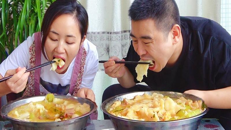 """【超小厨】1块腊肉2斤面,媳妇""""亲自""""做腊肉面,1人1盆,媳妇做啥子都好吃"""
