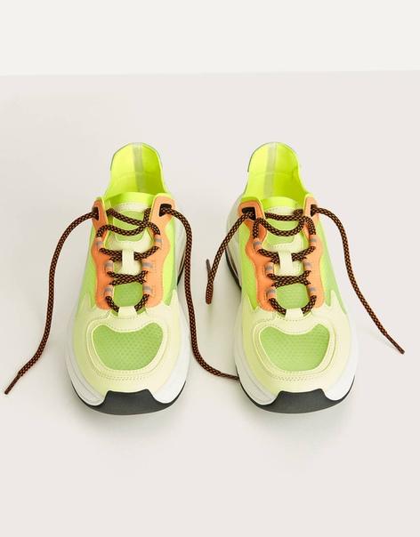 Полупрозрачные кроссовки неонового цвета image 4