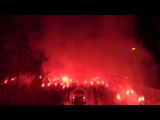 Фанаты Зенита встретили команду перед Зенит-ЦСКА
