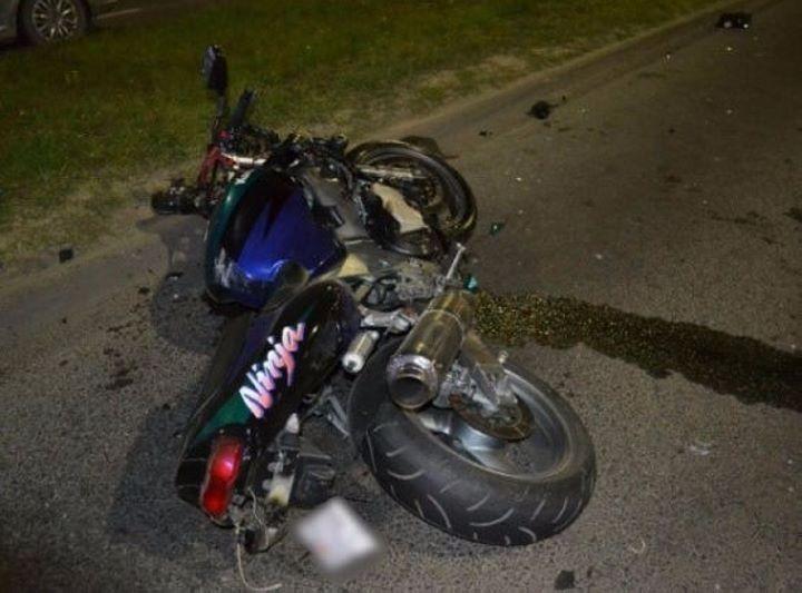 На ул. Октябрьской революции разбился мотоциклист. Живой, но пострадал от удара