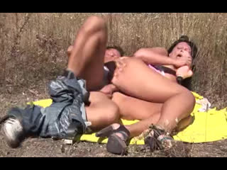 Порно балуемся с женой на природе elanora (45)