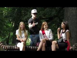 2 / TALKING ON THE PHONE NEXT TO PEOPLE PRANK2