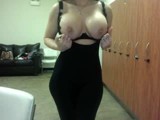 SunnyWhite [Webcam Запись привата Bongacams Chaturbate Camsode Runetki дрочит мастурбирует сиськи camshow masturbation Big Tits]