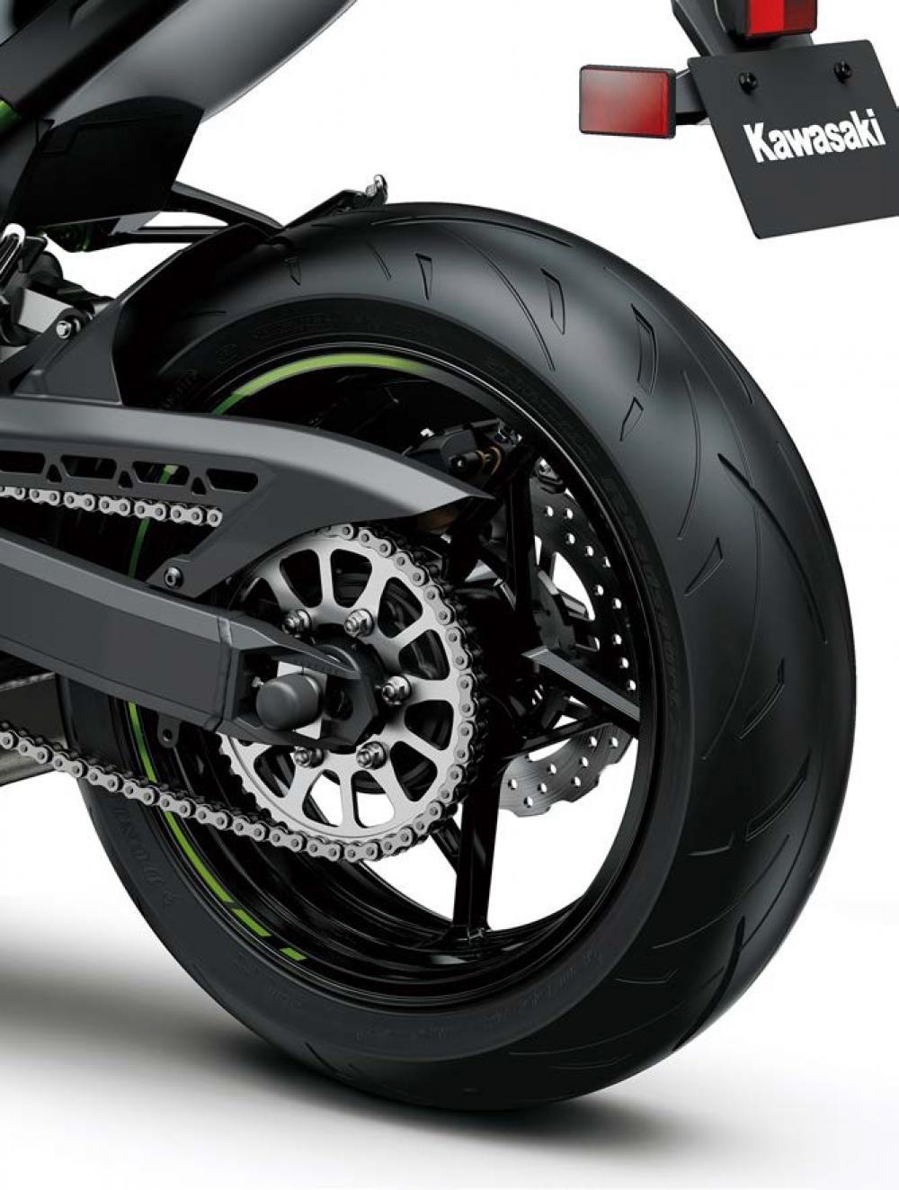 Обновленный нейкед Kawasaki Z900 2020
