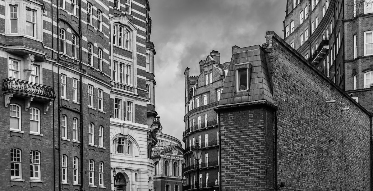 London Architecture in Black