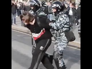Житель Татарстана потребовал от МВД 800 тысяч за дискомфорт в автозаке