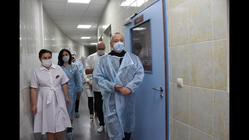 Мэр Белгорода Юрий Галдун поздравил сотрудников городского перинатального центра с Новым годом