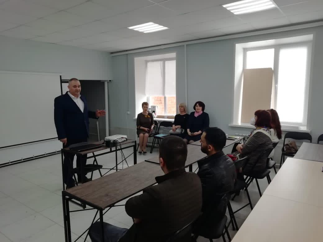 Сегодня, 31 марта, в Ресурсном центре города Можги состоялась рабочая встреча с представителями турфирм и точек общепита.