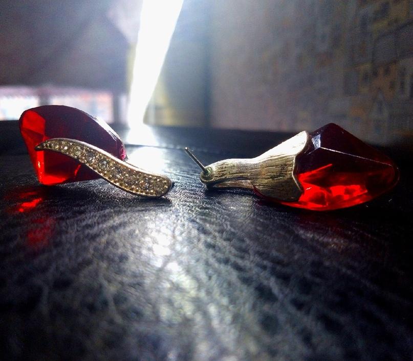 Купить серьги ( не кто не носил)  Каждая | Объявления Орска и Новотроицка №13738