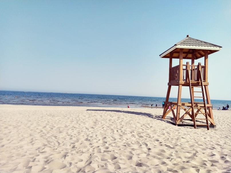 На пляже Бохайского залива