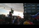 На Невском проспекте в Питере собралось очень много болельщиков Зенита