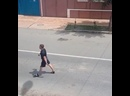 В Астрахани произошла разборка с применением шланга, ножа и камней