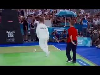 Первое в истории олимпийское золото в брейк-дансе у Россиянина