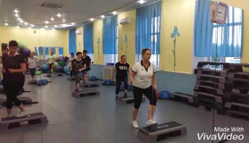 Фитнес Леди для новичков и дам с избыточным весом Пышечек 20.30 на тренировку с Евгенией Кудрявцевой