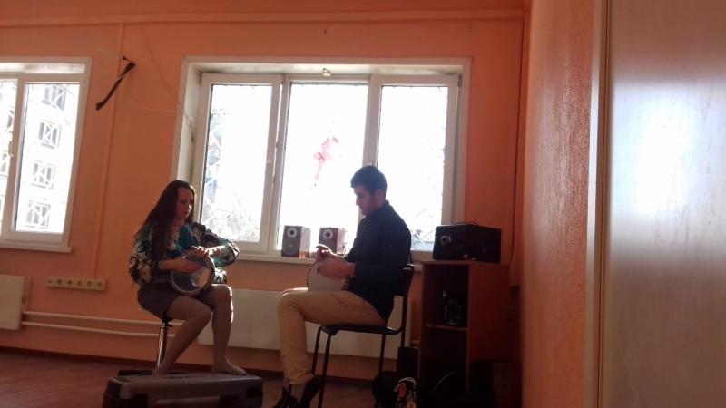 Шалаевская Наталья и табаль Эмиль Махмудов уроки игры на дарбуке.