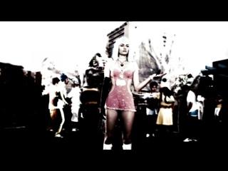 Amber Valletta, unknown - Gamer (2009) 1080p