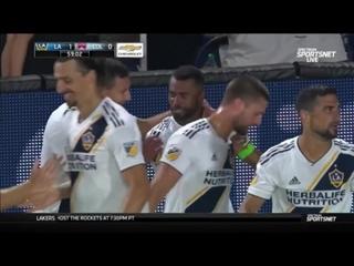 Гол Эшли Коула в матче Лос-Анджелес Гэлакси - Колорадо