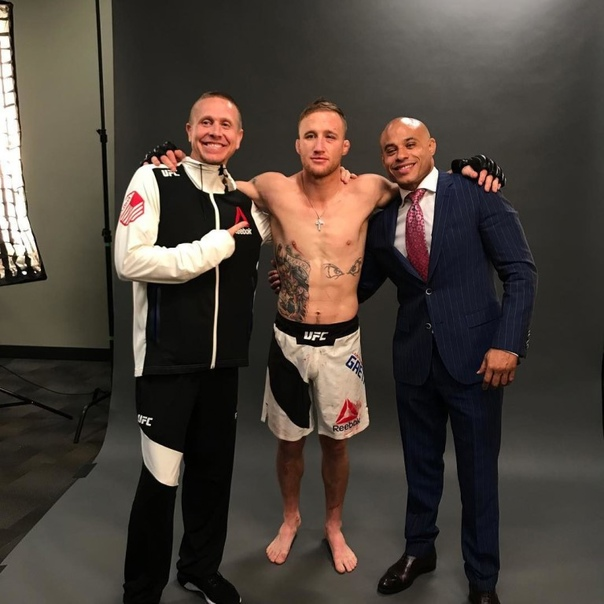 Justin Gaethje should get the next UFC lightweight title shot against Charles Oliveira, thinks his manager