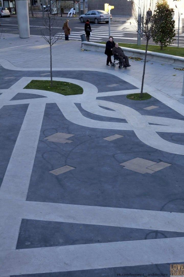 Ricard Viñes Square / Benedetta Tagliabue