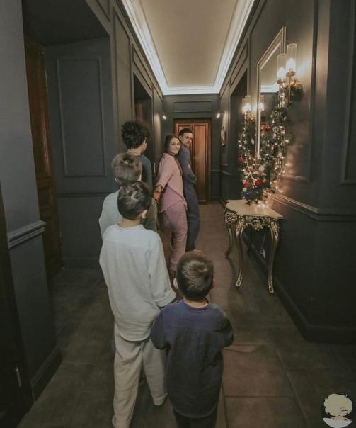 Мать четверых сыновей Глафира Тарханова впервые показала своих детей