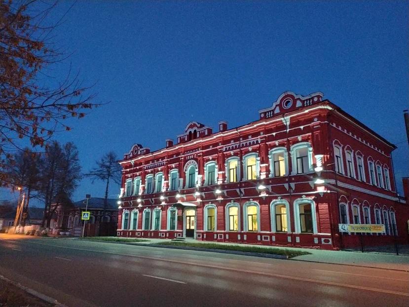 Сегодня - Международный день музеев. Отмечают его и сотрудники Петровского музейного историко-краеведческого комплекса - одного из старейших в Саратовской области