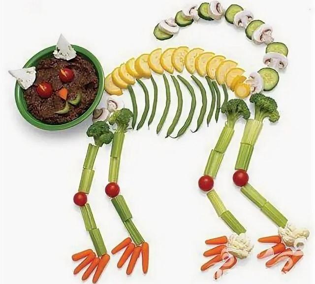 Страшные и вкусные угощения для Хэллоуина (закуски, салаты, горячее)