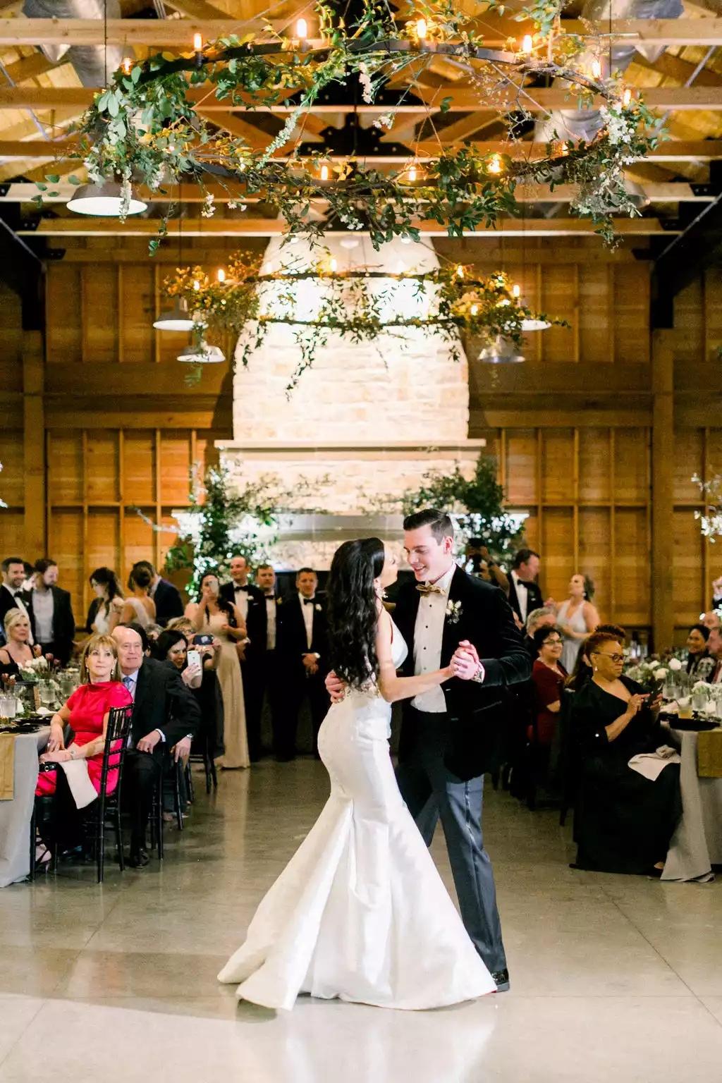 mtEsQJ3YXeo - Как найти веселого ведущего на свою свадьбу