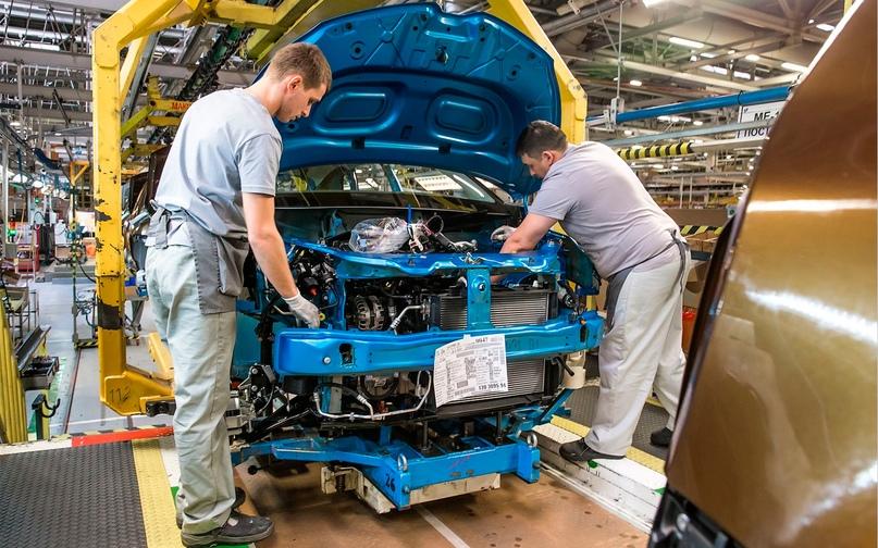 «Произведено в России». Как цены на машины хотят отвязать от курса рубля, изображение №6
