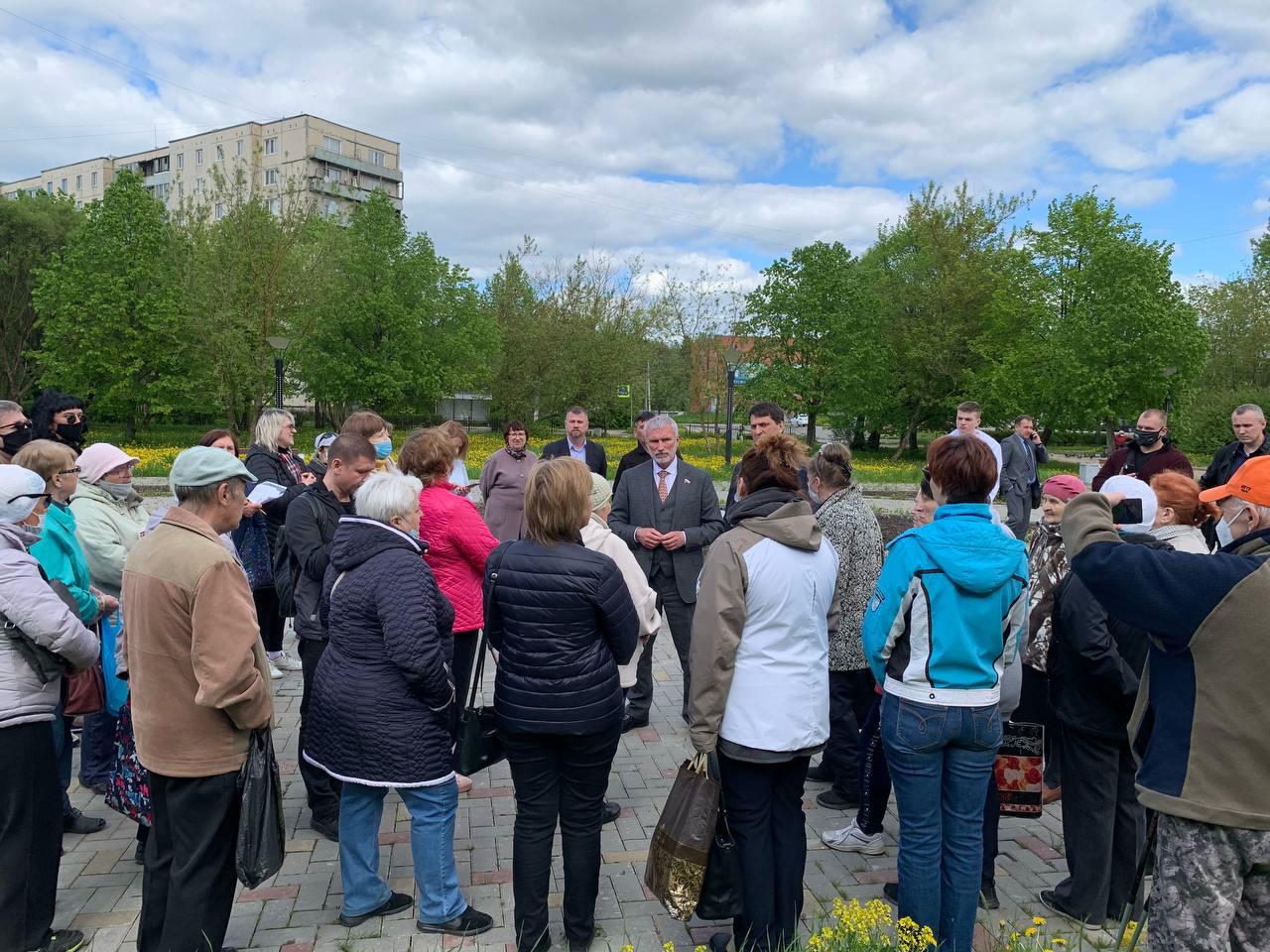 Депутат Журавлев провел встречу с жителями Светогорска