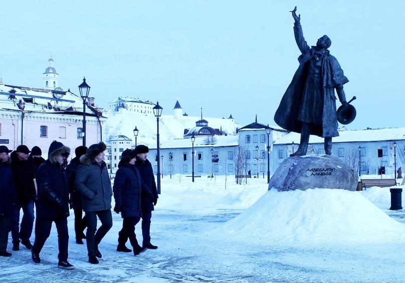Владимир Якушев оценил работы на Базарной площади положительно, изображение №2
