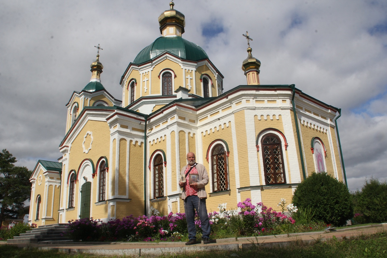 """Путешествие """"моржей"""" к Никольскому храму и Святому источнику"""