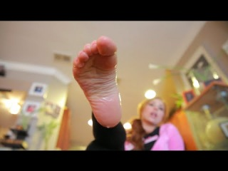 Beckys FOOT FETISH Film: SHE'S A SQUIRTER!!!