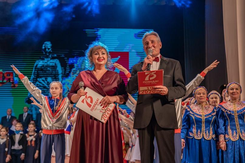 Защитникам: в Ухте прошёл праздничный концерт, изображение №12