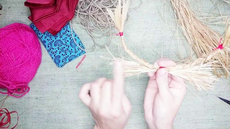 Мастер-класс по изготовлению народной игрушки Козочка из лыка.
