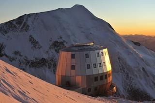 На горе Монблан находится самый высокогорный отель в Альпах Refuge du Gouter (в переводе с французского означает «Приют наслаждения»)