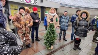 Save ФОП. Майдан. Новый Год. Жесткое противостояние. 25 полицейских на одну йолку.  Кто кого?
