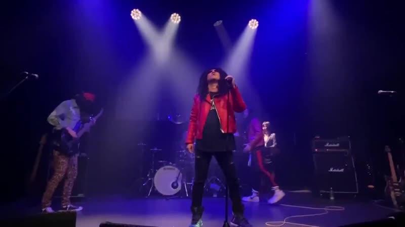 レイザーラモンRG with あるあるメタルオールスタ -Veats Shibuya (Bon Jovi Livin on a Prayer)