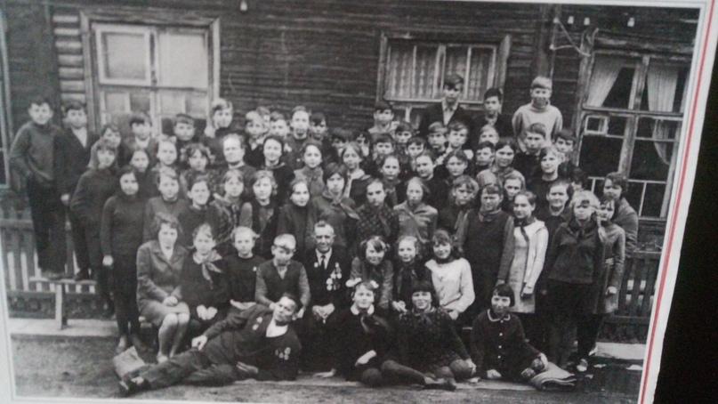 Встреча учеников Сольвычегодской средней школы с ветеранами 28-й Невельской дивизии. 1969 г.