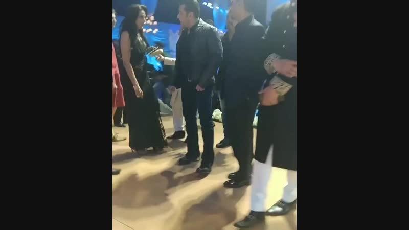 Salman Khan at Azhar Moranis wedding reception.mp4