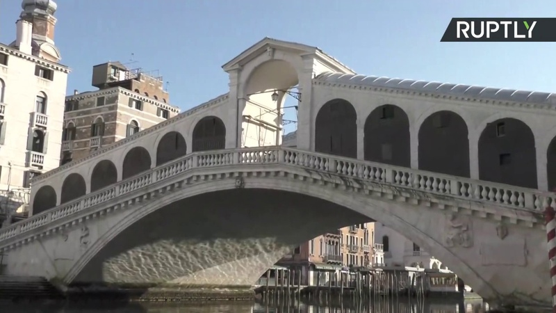 Boat tour through Venice as canals left deserted by COVID 19 STREAMED LIVE