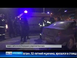 При столкновении легковушки с грузовиком пострадали два человека
